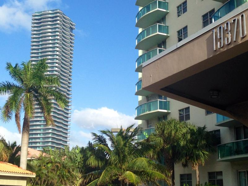 Luxury apartment with ocean view in Sunny Isles - Image 1 - Sunny Isles Beach - rentals