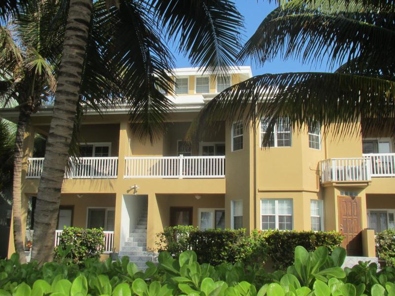 Bermuda Palms - Oceanfront 3 bedroom Condo, San Pedro Belize - San Pedro - rentals