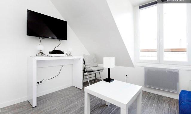 tv avec support pivotant - Charming Studio Apartment in Montmartre in Paris - Paris - rentals