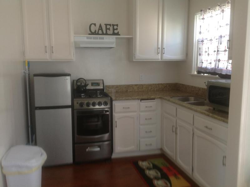 Open concept kitchen - One bedroom just remodeled in  a safe neighborhood - Santa Monica - rentals