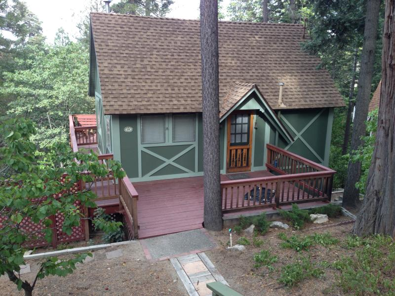 View of cottage from street - Cozy Cottage/HOT TUB!/Use of Beach Club Pass - Lake Arrowhead - rentals