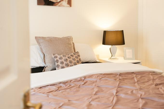 Lovely master bedroom - Charming 3 bed 2.5 bath house in Central London - London - rentals