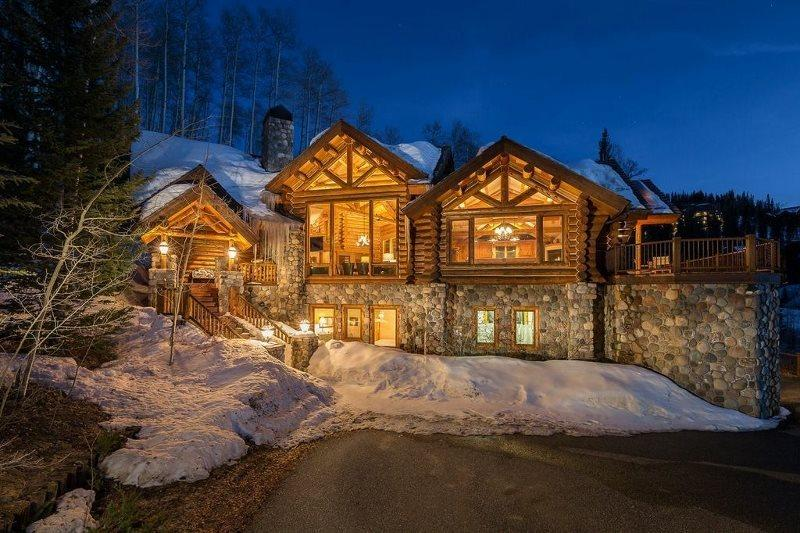 Yellow Brick Mountain Village Luxury Log Vacation Home For 14 Guests - Image 1 - Mountain Village - rentals