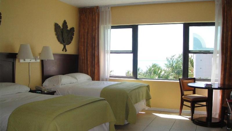 Beautifull studio apartment on the Beach #637 - Image 1 - Miami Beach - rentals