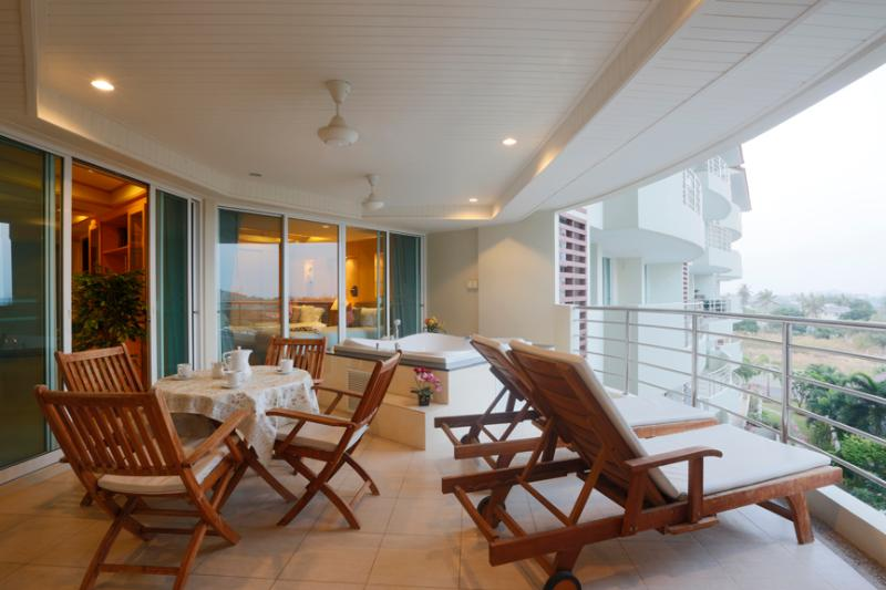 3 bedroom condo with private jakuzzi on the balcony - Image 1 - Hua Hin - rentals