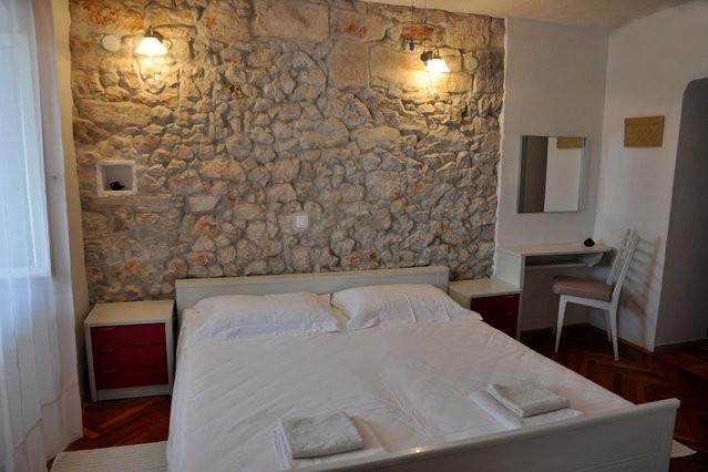Cozy bright bedroom - Pinta Lumbarda (apartment for 2/B ) - Lumbarda - rentals