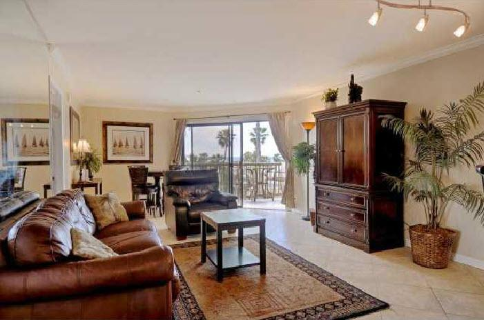 See the Sea Condo by the Pier in PB! Great View! - Image 1 - Pacific Beach - rentals