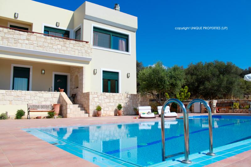 Exterior - Private Pool - Holiday Villa with Pool and Large Garden in Chania - Chania - rentals