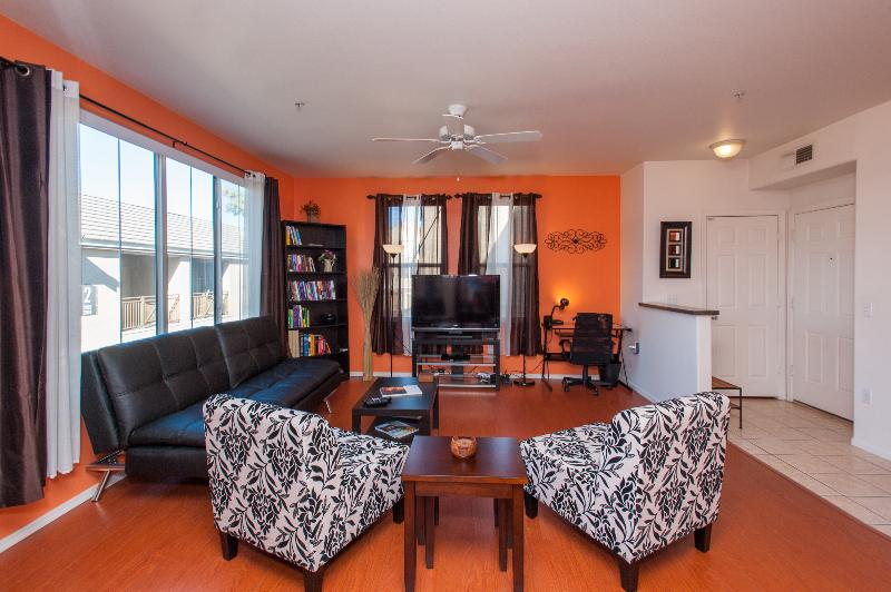 Open and Spacious Living Room. The Euro Lounger lets into a full size bed that is very comfortable. - Central location Luxury, Gated, Pool, Wi-Fi, Gym! - Phoenix - rentals