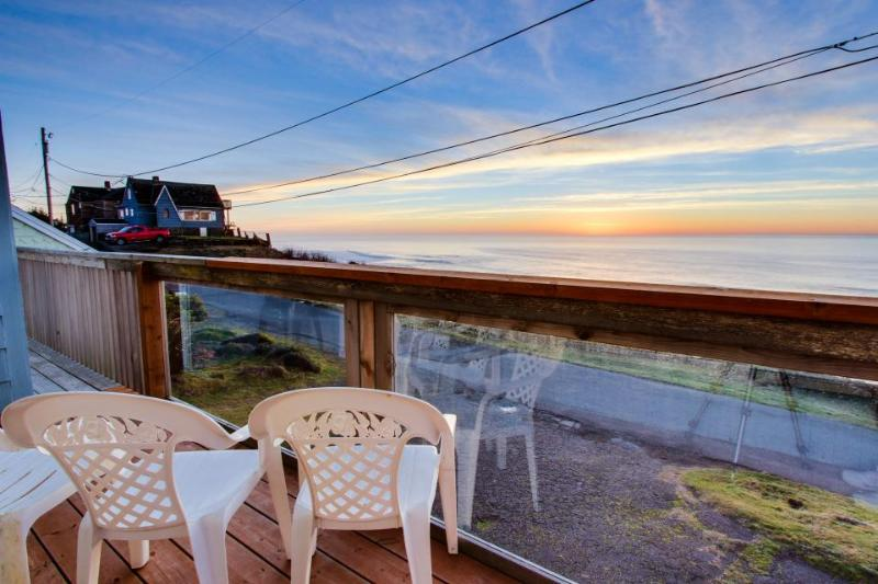 Dog-friendly home w/ deck and unobstructed ocean views - close to beach! - Image 1 - Lincoln City - rentals