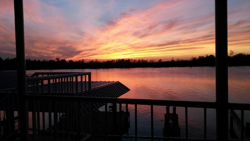 Sunset overlooking the water. - Only 45 min from New Orleans, a Bayou Paradise! - Lafitte - rentals