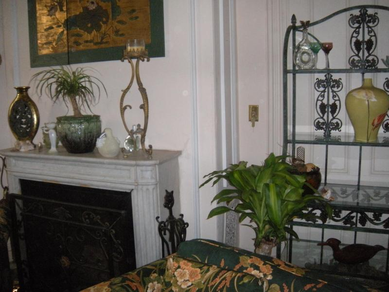 living room - Historic in town Victorian - Newport - rentals