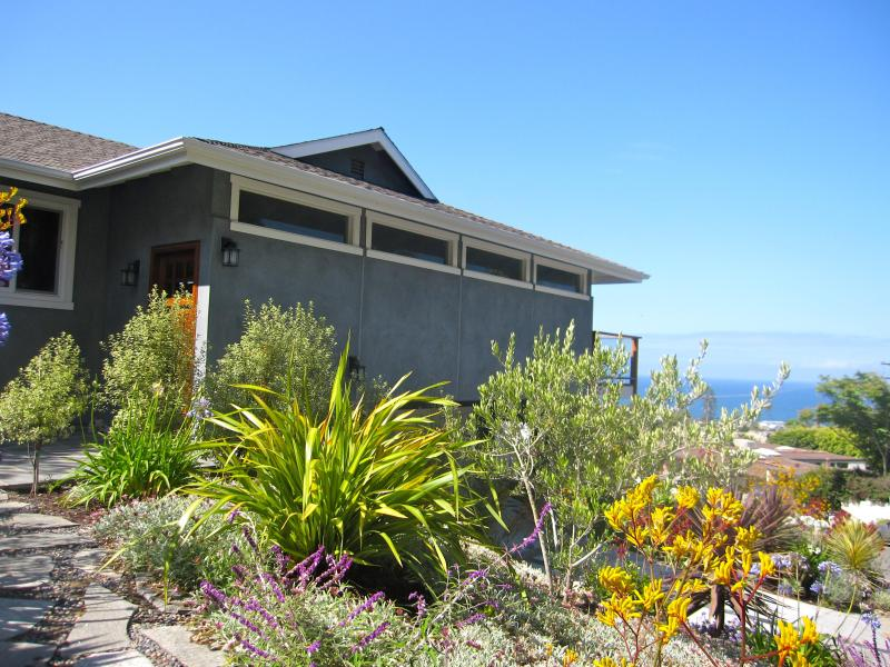 Front Door - North Laguna newly remodeled custom home with ocean views, blocks to the beach - Laguna Beach - rentals