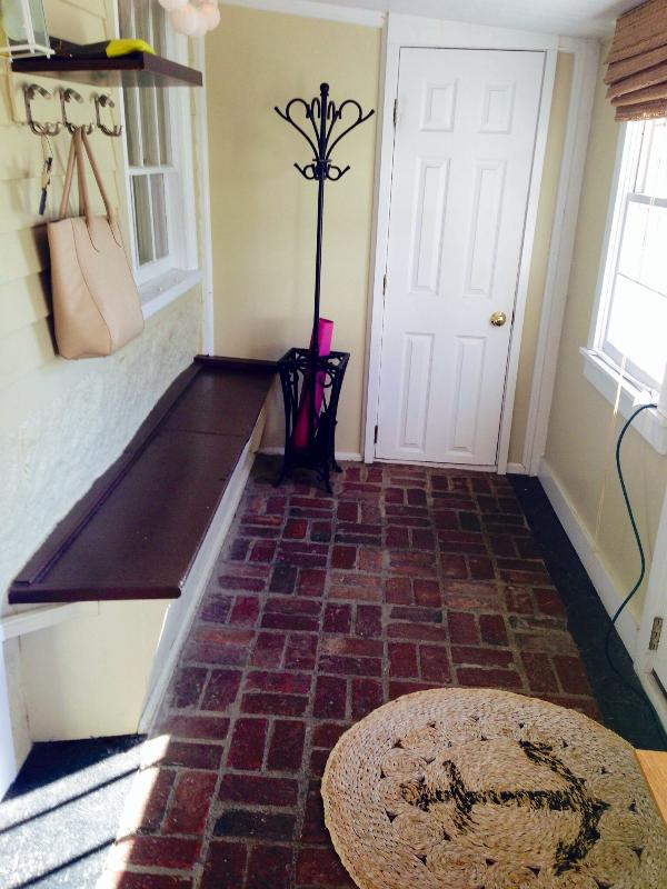 Mud room - Modern & Cozy Garden Condominium - Rockport - rentals