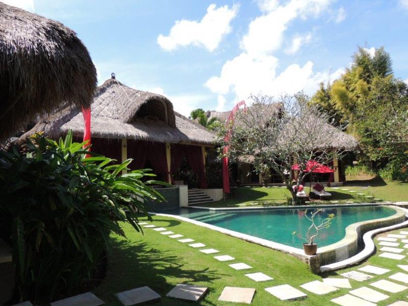 Gia, 4/5 Bedrooms Villa, 5 minutes from Seminyak - Image 1 - Seminyak - rentals