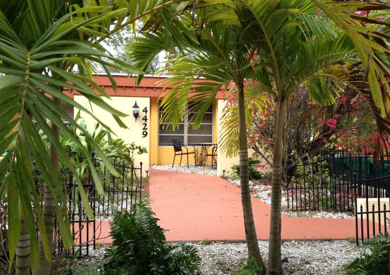 Banana Bay Villas - II - Image 1 - Port Charlotte - rentals