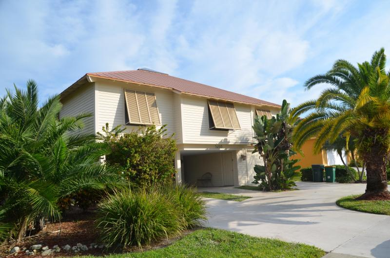 Quiet peaceful tropical setting - Private Tropical Paradise! Great Holiday Rates! - Marco Island - rentals