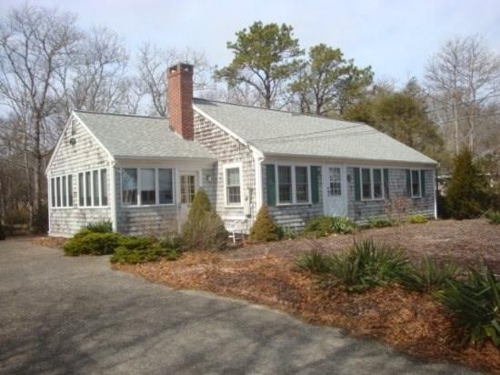 1/10 of a mile to Parkers River Beach - 201 Pinegrove Road - Image 1 - South Yarmouth - rentals