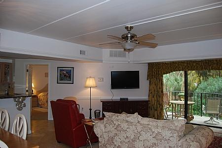 Enrty to dining area and livingroom - 123 Forest Beach Villas - Hilton Head - rentals