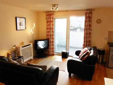 Spacious living room - Marine Apt, Ballycastle - Free WiFi - FROM £50 - Ballycastle - rentals