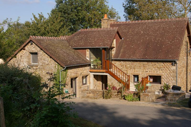 Vue de la maison - LE PERRON BED AND BREAKFAST - Domfront - rentals