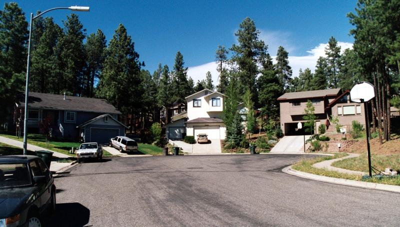 Our cul-de-sac - FAMILY-FRIENDLY APARTMENT FOR SMALL BUDGET; IDEAL BASE FOR DAY TOURS - Flagstaff - rentals