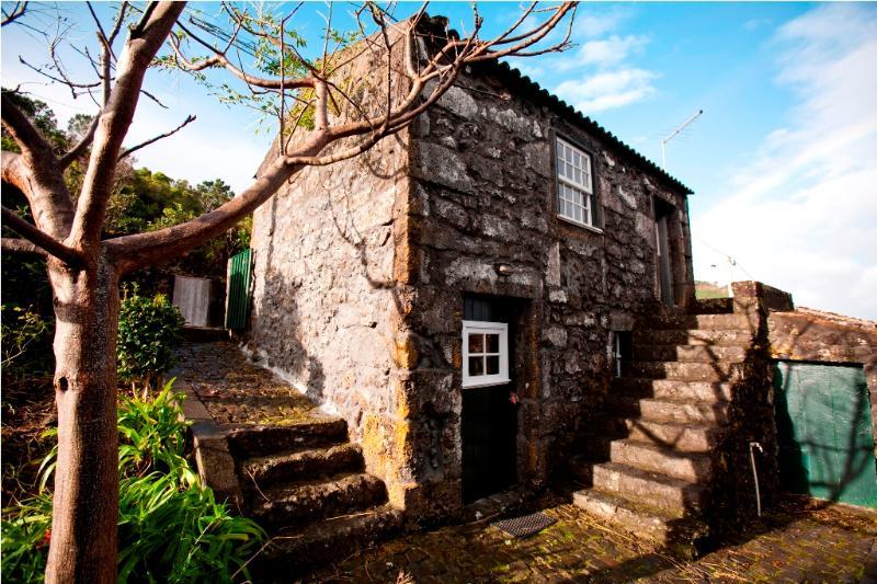 Casa da Vinha façade - Adegas do Pico One Bedroom-House - Prainha de Baixo - rentals
