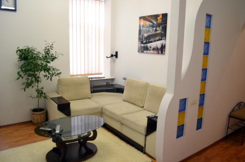 Charming one-bedroom apartment in Kiev's center - Image 1 - Mriya - rentals