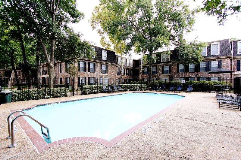 Pool - Fully Furnished Med Center Apt 1 BR with Shuttle - Houston - rentals