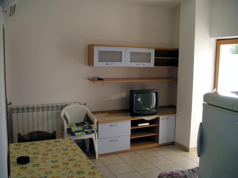 Living/dining area - Apartment for 3 people near beach, bike trails - Rovinj - rentals