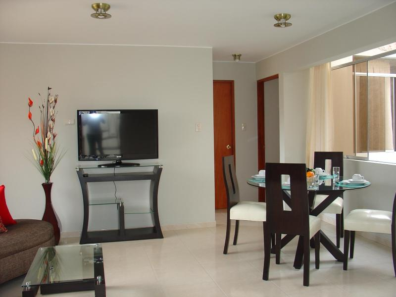 FULLY FURNISHED 2-BEDROOM APARTMENT MIRAFLORES 301 - Image 1 - Lima - rentals