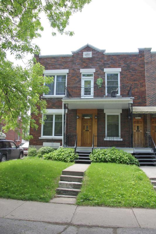 Spacious comfortable apartment close to downtown - Image 1 - Montreal - rentals