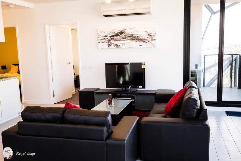 Lounge - 1511/673 Latrobe St, Docklands - Melbourne - rentals
