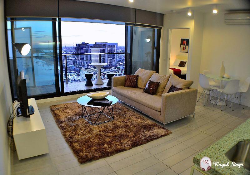 Lounge - 2001/673 Latrobe St, Docklands - Melbourne - rentals