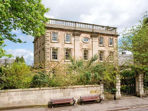 WINSTER HALL, Grade II listed, four posters, open fire, in Winster. Ref. 30946 - Image 1 - Winster - rentals
