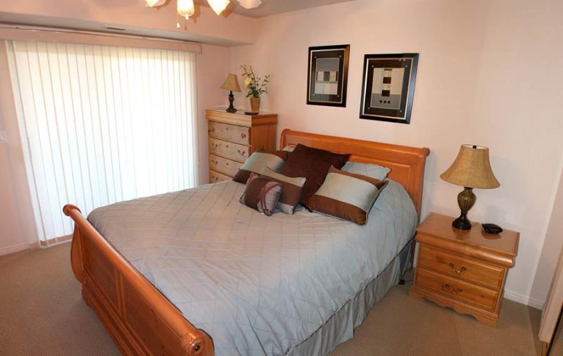 Bedroom - 1001 - 1 Bed 1 Bath Queen Premium - Saint George - rentals
