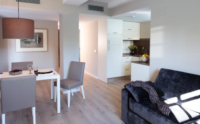 Large Living Area - Exclusive Suite Las Ramblas, Terrace - Barcelona - rentals