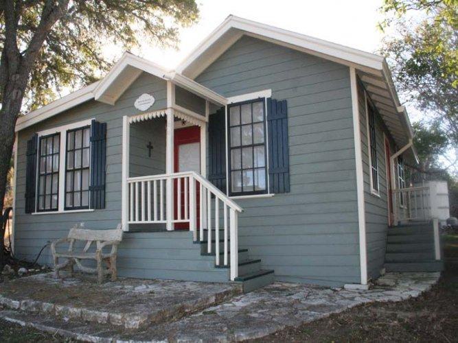 Broadway Cottage - Image 1 - Fredericksburg - rentals
