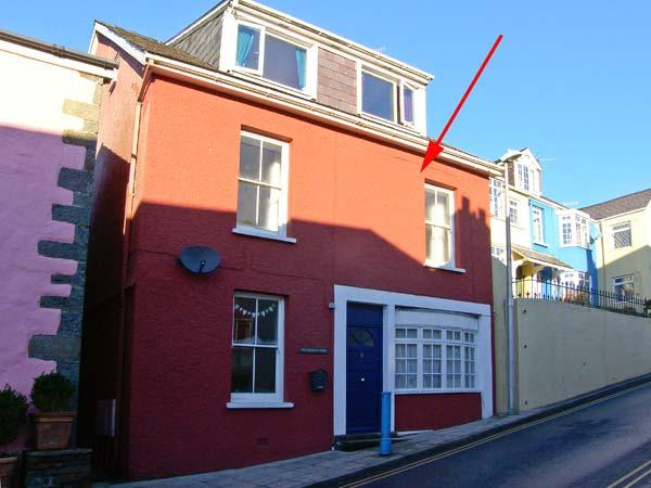 THE POTTER'S WHEEL, first floor apartment in central location, harbour views, in Saundersfoot, Ref 29360 - Image 1 - Saundersfoot - rentals
