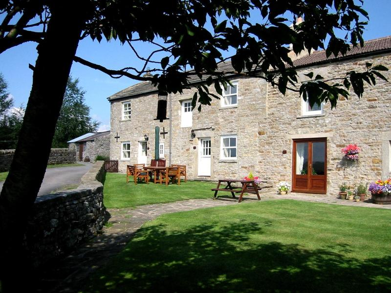 The cottage in summer - Goldsborough View, West Hury Farm Cottages - Barnard Castle - rentals