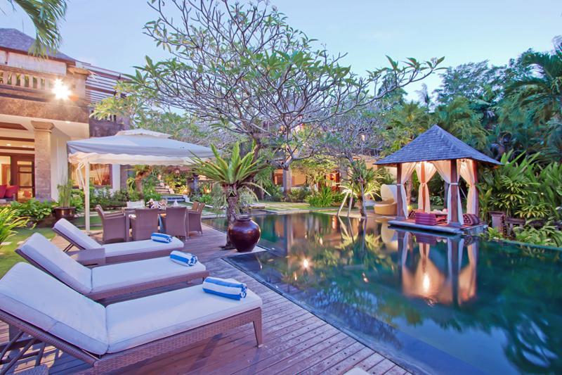 Arwana, Luxury 4 Bedroom Villa, 10 min to Seminyak - Image 1 - Seminyak - rentals
