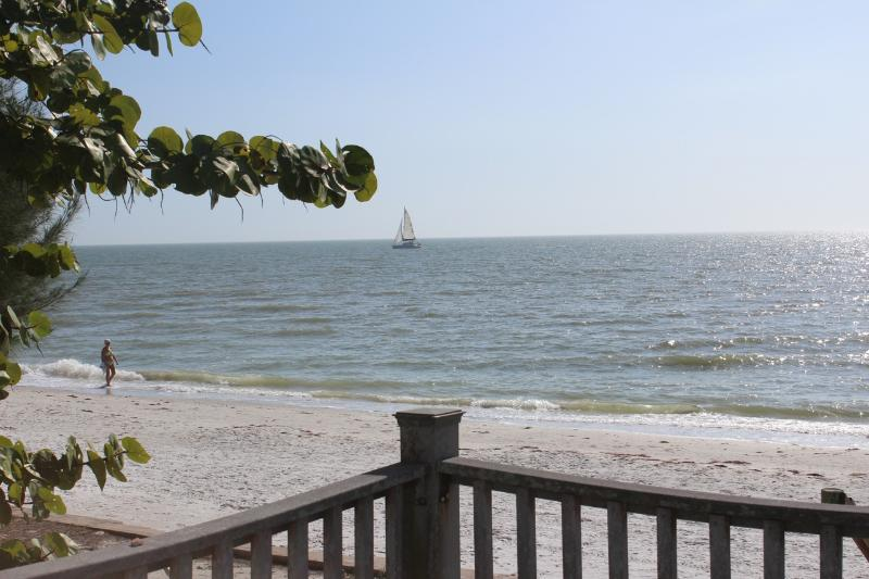 Family-friendly Beach Front Cottage - Sleeps 10 - Image 1 - Fort Myers Beach - rentals
