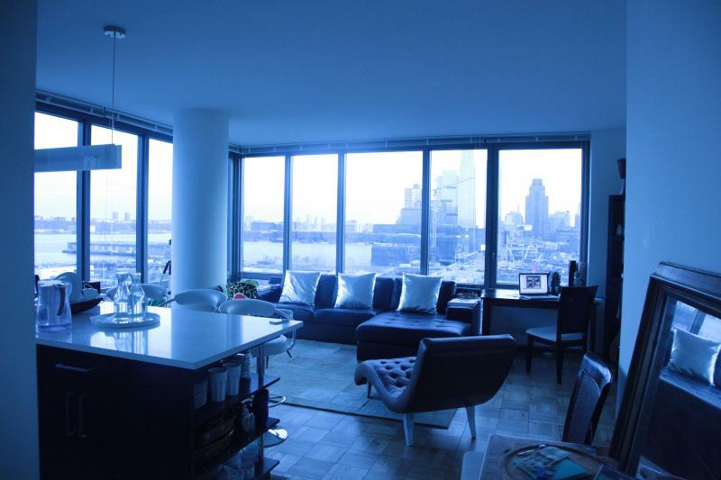 Living room & Kitchen with River & Skyline views - Perfect Superbowl rental! - Weehawken - rentals
