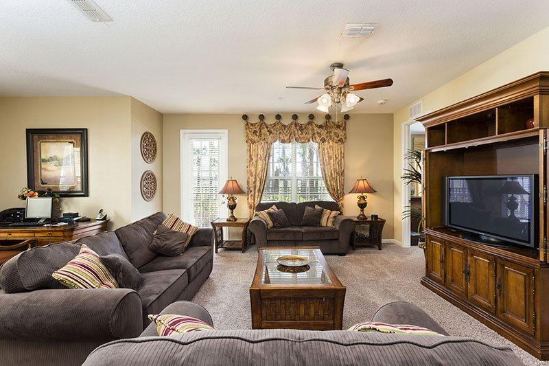 Living room - Vista Cay-LAKEFRONT-3 Bedroom Luxury -VC124 - Orlando - rentals