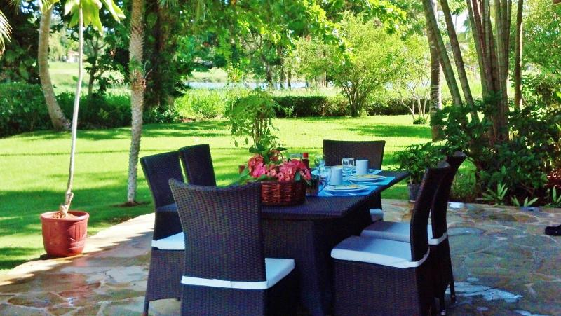 Breakfast overlooking lagoon - Gorgeous Golf, Lagoon & Ocean Views- Casa de Campo - San Pedro de Macoris - rentals