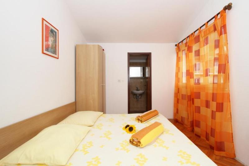 Villa Milena Tucepi Apartment A8) - Image 1 - Tucepi - rentals