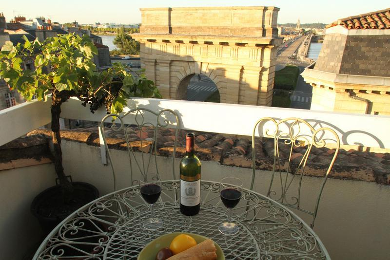 View from Bordeaux Terrace - Stylish Apt, Spectacular View in Historic Center - Bordeaux - rentals