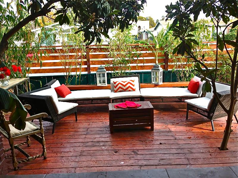 Entertainment Deck to enjoy luxurious Hollywood life style - Hollywood Glamor and Flair- VH1ShowLocation - Los Angeles - rentals