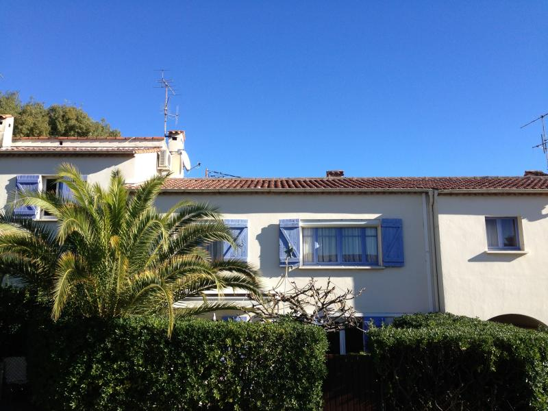 THE 2 Independent APARTMENTS VILLA - In Cannes 5 bedrooms quiet area up to 12 guests - Cannes - rentals