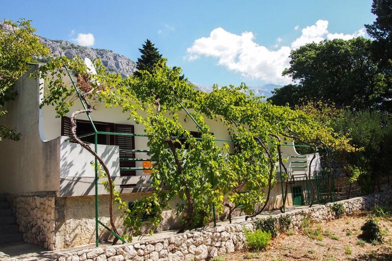 Great deal Apartment BRSREC-A1(6+2) - Brela - Image 1 - Brela - rentals